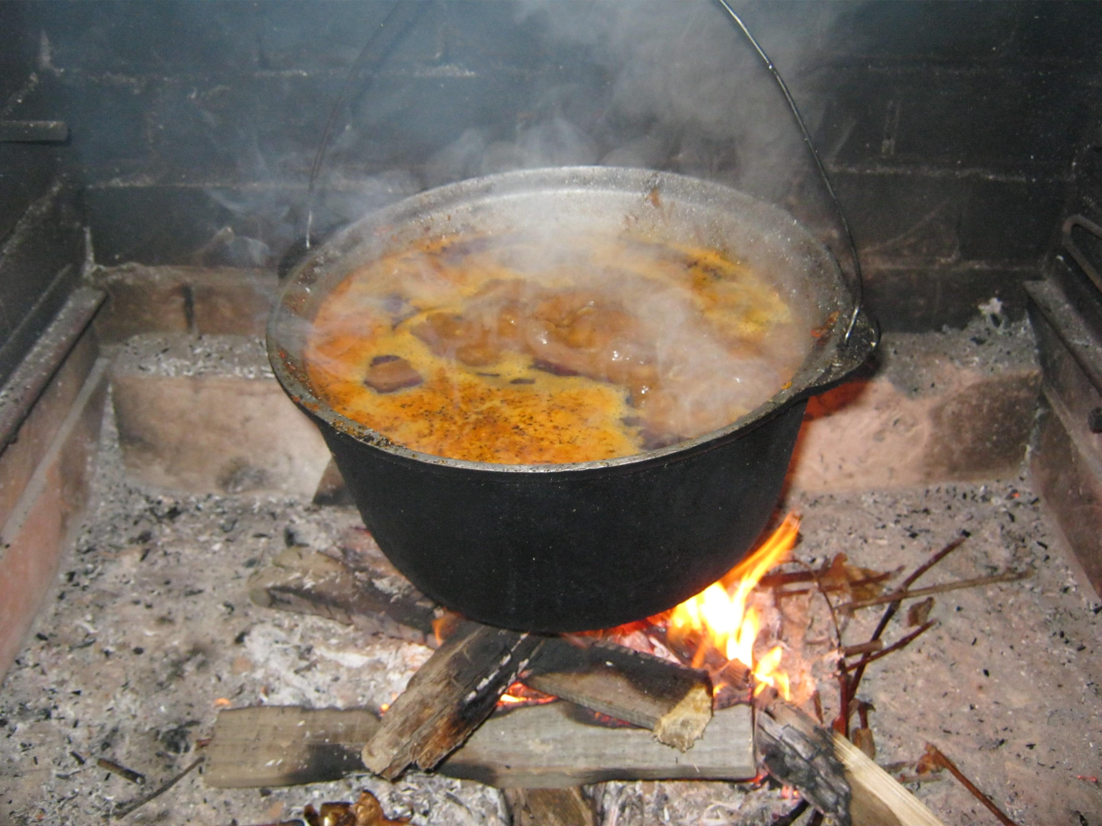 Гуляш по-венгерски— классический и народный рецепт приготовления