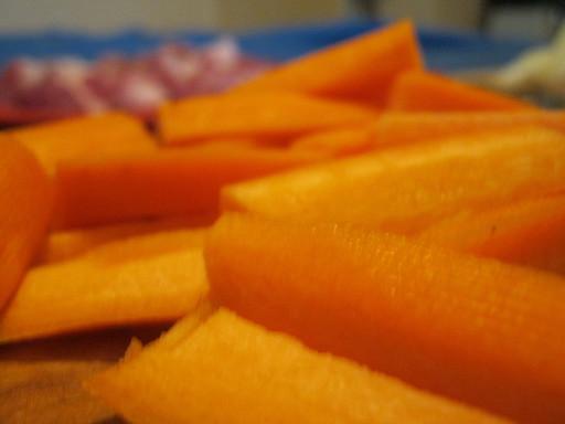 Морковь брусками