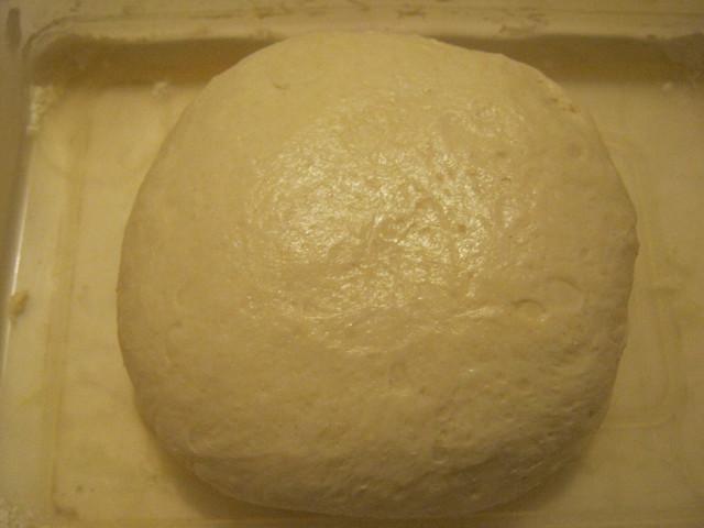 Тесто после обминки