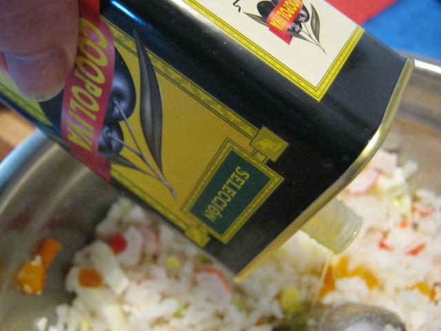 Зправим оливковым маслом