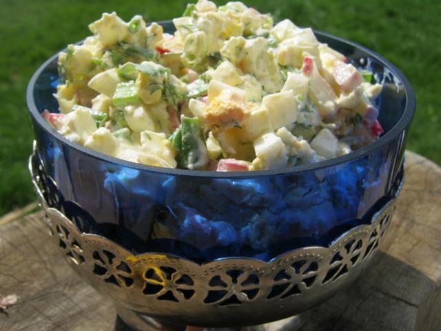 Вкусный салат для весеннего завтрака