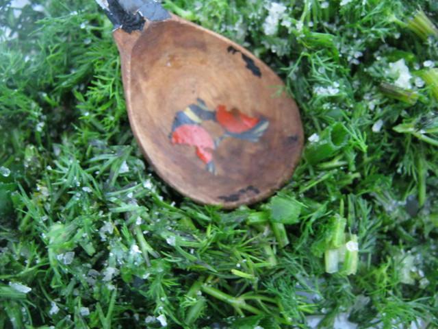 Примять зелень ложкой