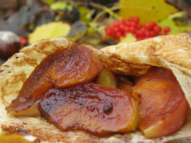 Блинчик - рецепт с яблоками