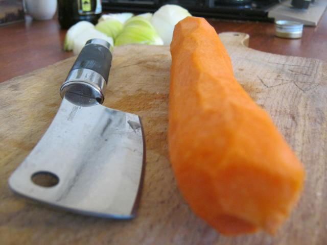 Почищенная морковь