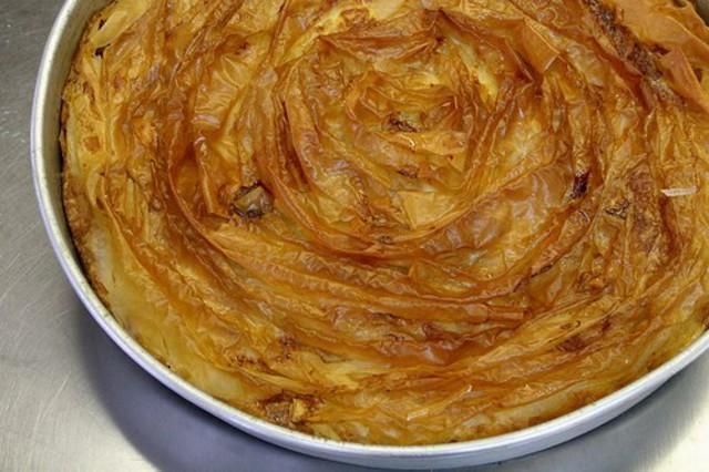 Пирог из теста фило с сыром рикотта