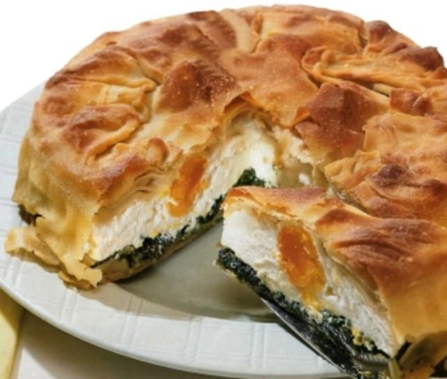 Пирог из вытяжного теста с рикоттой и шпинатом