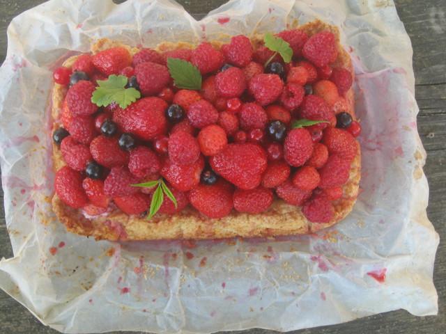 Пирог с ягодами, фото