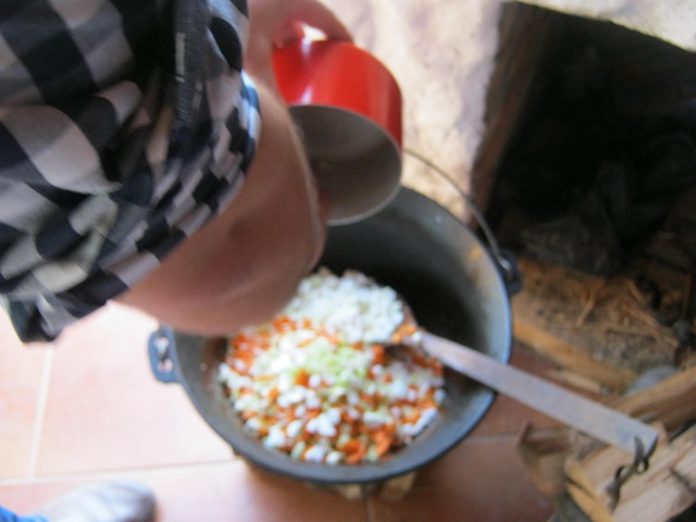 Кладем овощи
