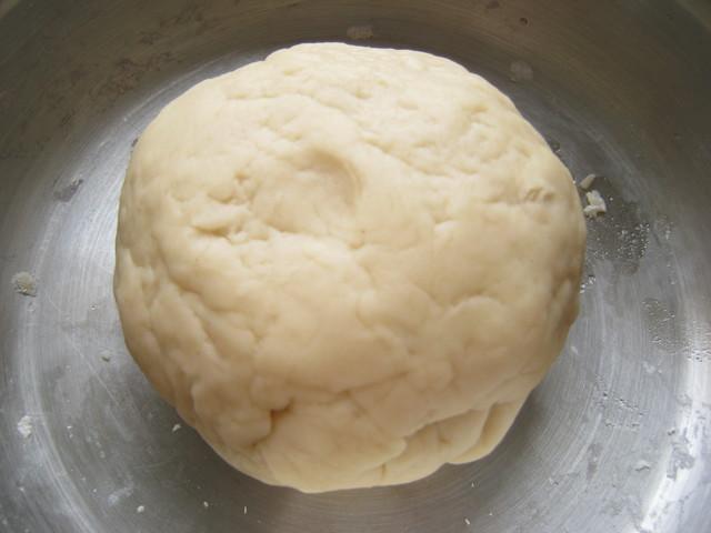 Готовое заварное тесто для вареников и пельменей