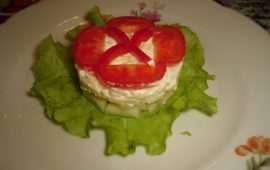 Салат с грушей и сыром «Жокей»
