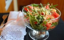 Салат с креветками и руколой: море удовольствия в тарелке