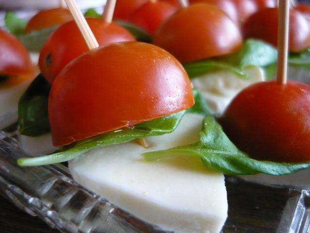 mocarella-tomaty-bazilik