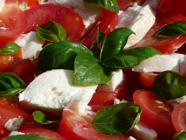 pomidory-moccarela-bazilik_1