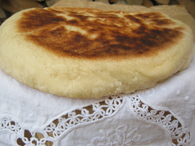 Хачапури на сковороде: рецепт с ароматом детства