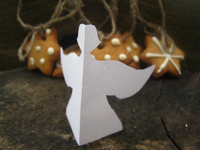 Миниатюра к статье Рождественское имбирное печенье: ароматное украшение для елочки