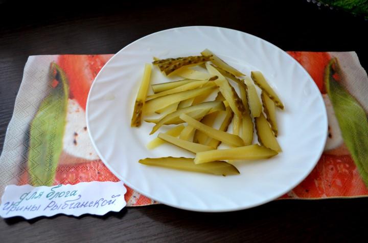 Миниатюра к статье Классический рецепт салата из печени трески с пошаговыми инструкциями