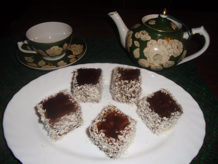 Миниатюра к статье Медовый пляцок с кокосом: сдержанная роскошь божественного вкуса