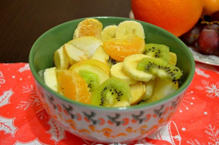 Миниатюра к статье Рецепт фруктового салата с йогуртом: ингредиенты и варианты приготовления