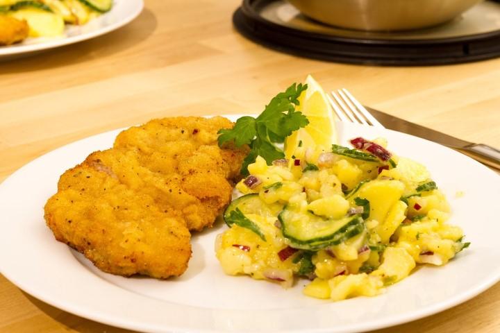 Миниатюра к статье Пикантный Венский картофельный салат