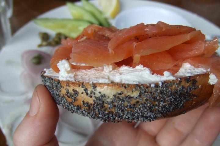 Рецепт бейгл: с семгой и сливочным сыром