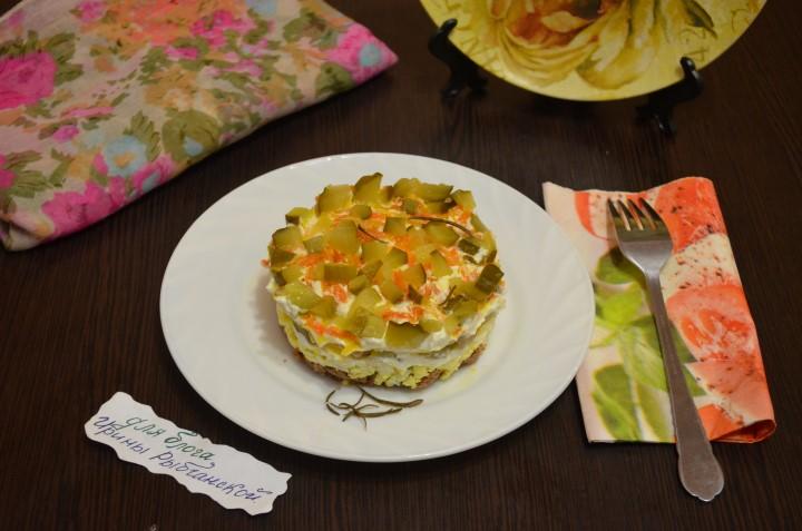 Аппетитный салат из куриной печени: простой домашний рецепт