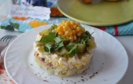Несколько простых вариантов рецепта салата с консервированным тунцом