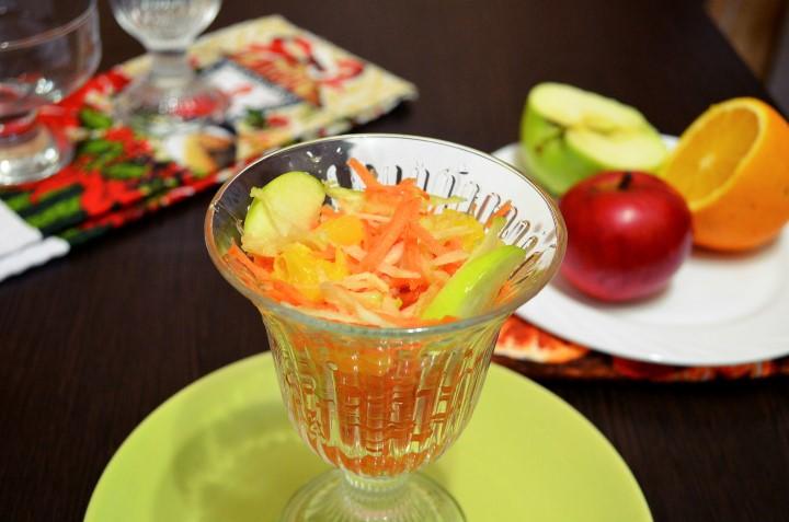 Миниатюра к статье Замечательные витаминные рецепты салата с морковью и яблоком
