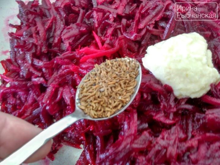 как приготовить салаты из вареной свеклы
