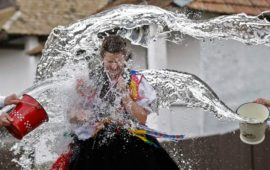 Как «поливаются» в Закарпатье и Венгрии на второй день Пасхи?