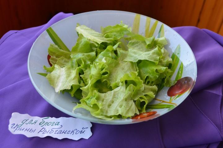 Миниатюра к статье Простой салат с куриной грудкой: стильные варианты приготовления