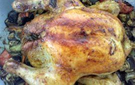 Вкуснейшая запеченная в духовке курица с баклажанами и помидорами