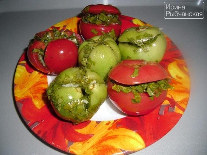 Как приготовить малосольные помидоры разными способами без лишней возни?