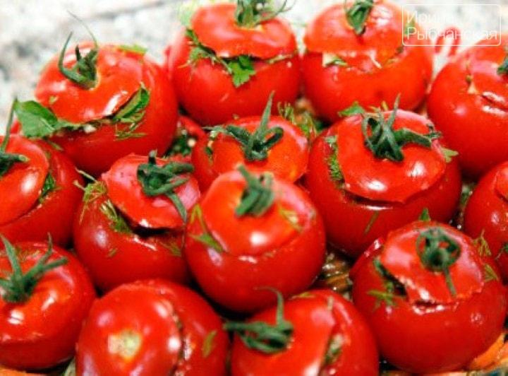 Миниатюра к статье Как приготовить малосольные помидоры разными способами без лишней возни?