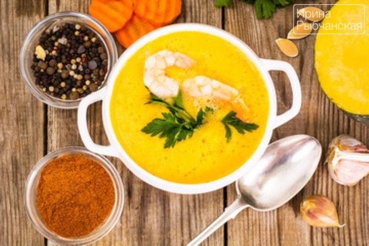 Миниатюра к статье Тыквенный суп с кокосовым молоком: согревающий рецепт для холодов