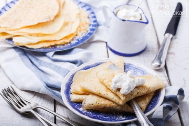 Миниатюра к статье Тонкие блины с дырочками на молоке— рецепт приготовления с содой и дрожжами