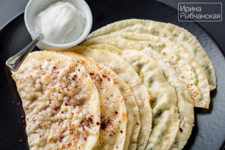 Миниатюра к статье Рецепт кутабов с зеленью и сыром по-азербойджански