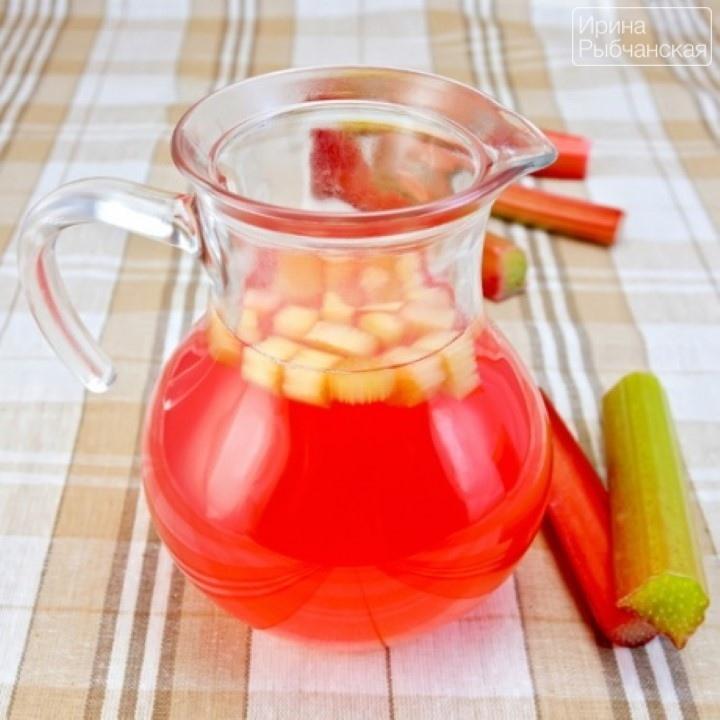 Миниатюра к статье Рецепт компота из ревеня для утоления летней жажды и на зиму