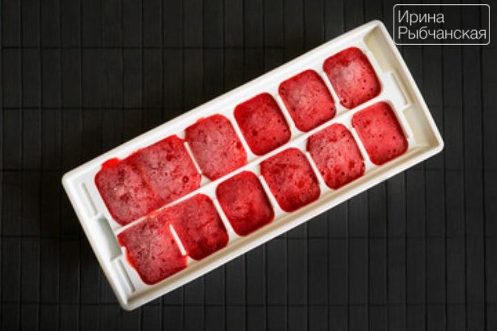 Миниатюра к статье Как заморозить клубнику на зиму в холодильнике правильно и вкусно