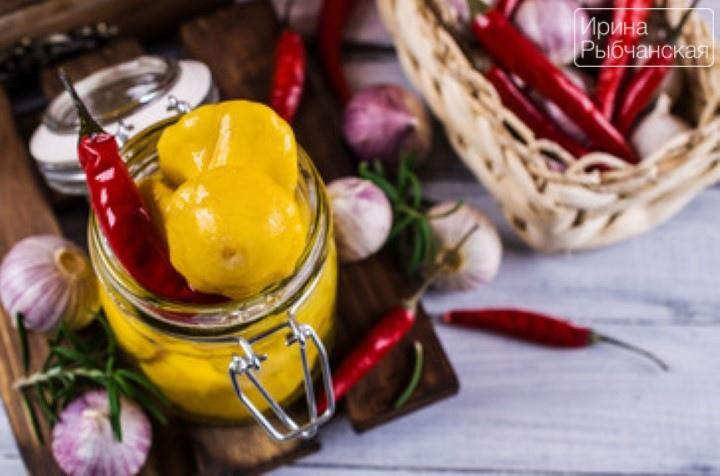 Рецепт хрустящих маринованных патиссонов на зиму