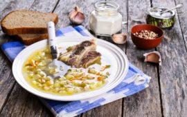 Рассольник с перловкой и солеными огурцами— рецепт приготовления с вариациями
