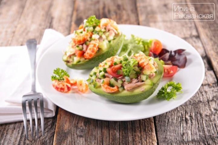 Салат с креветками и авокадо к Новогоднему столу