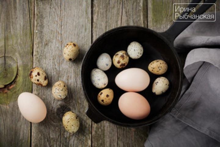 Как проверить свежесть сырых куриных и перепелиных яиц в воде